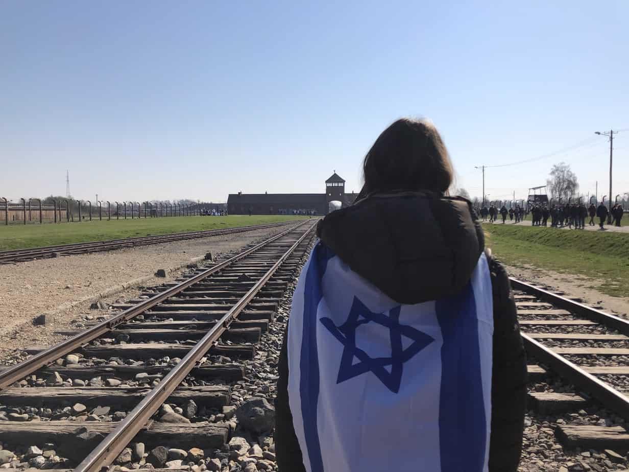Bandiera di Israele ad Aushwitz